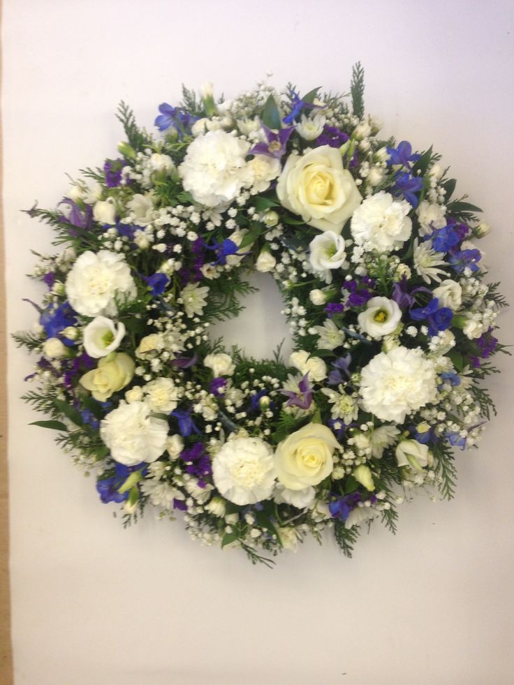White with a hint of blue, large wreath