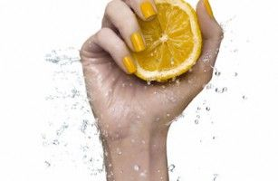Its's that time of the year show off your beautiful nails for Chrissie.  Too busy then book yourself a Mobile Mani - includes a choice of Mango Coconut Mask or Almond Cinnamon Scrub or Rose Paraffin Wax.