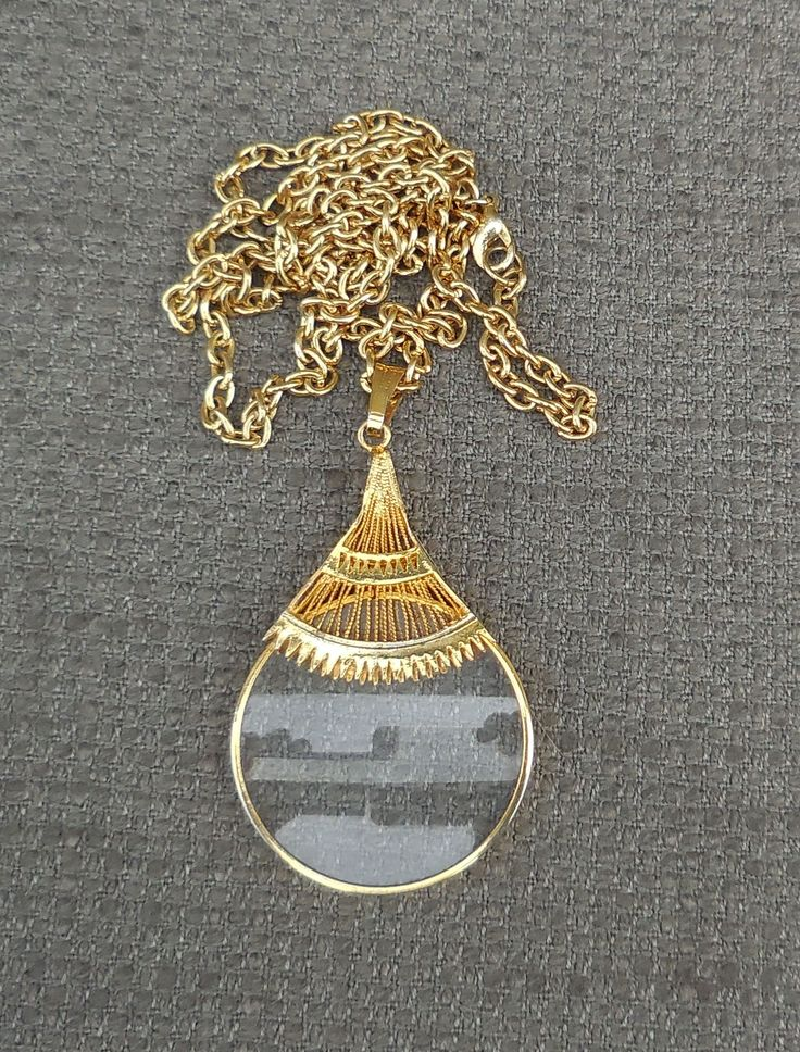 Fantastic MAGNIFYING GLASS Vintage Pendant NECKLACE...Retro Spy Glass Magnifier Jewellery...Gilt Reading Monocle Steampunk Victorian Chic! by SlimandSugar on Etsy
