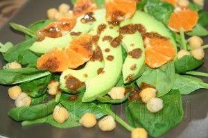 Салат из шпината с нутом и авокадо 5