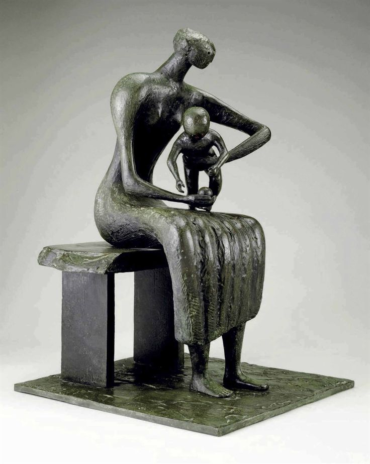 Henry Moore, Mother and Child with Apple © The Henry Moore Foundation. All Rights Reserved, DACS 2014 / www.henry-moore.org .