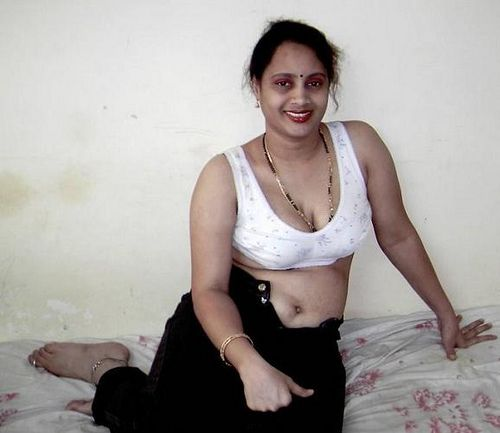 barra bach naked pussy