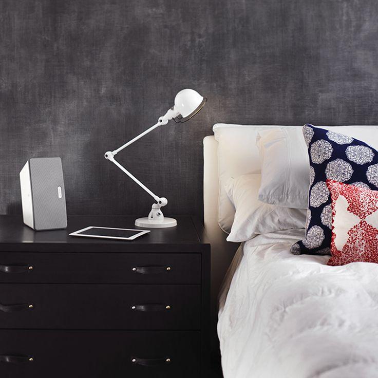 L'enceinte sans fil Sonos Play:3 est la plus polyvalente de la marque avec ses 3 haut-parleurs. #WiFi #Multiroom #RJ45 #iOS #Android #Deezer http://www.laboutiquederic.com/enceintes-wifi/140-sonos-play-3-enceinte-sans-fil-wifi-reseau-noir-8717755771315.html
