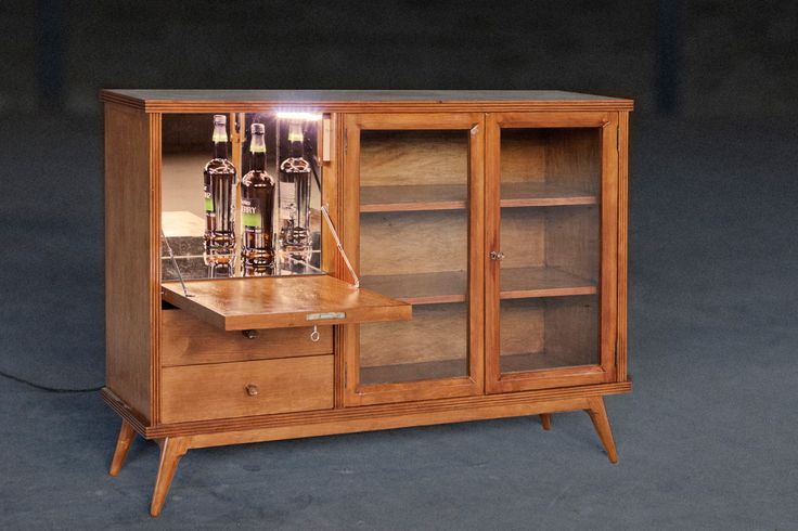 Vintage Sideboard Drinks Cabinet Aparador Retro Con Mueble-bar. Fully Restored Vintage