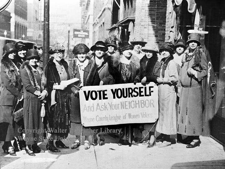Résultats Google Recherche d'images correspondant à http://www.forumuniversitaire.com/images/Suffragettes-Big.jpg