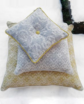 All l'Opificio mountain textile collections and decorative items are completely Made in Italy