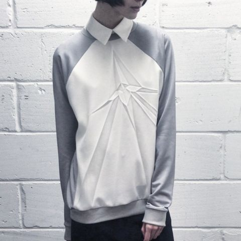 Georgia Hardinge AW15 paper sculpture pleats inspired by fragments of glass and shattered mirrors. #behindthepleat #GHstudio