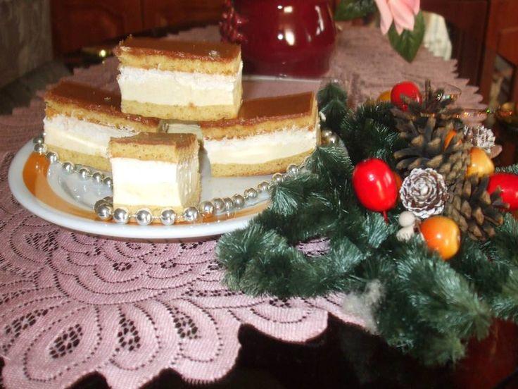 Nagyon finom, Karamellás krémes süti, el lehet veszni egy-egy falatban, de tényleg!