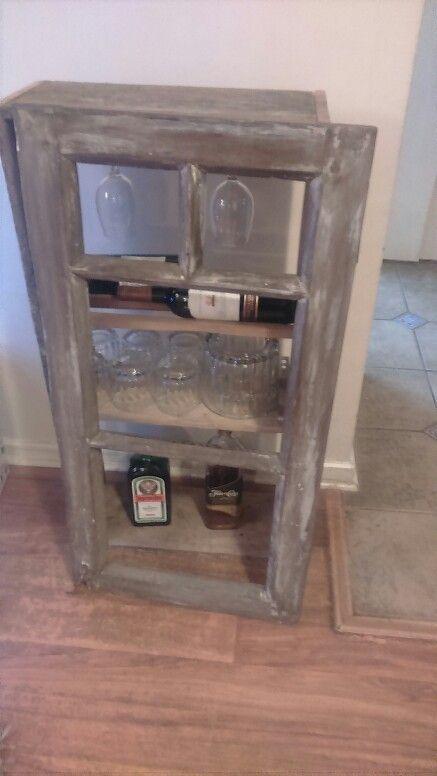 Mueble armado con reciclaje de una ventanana de alerce y - Reciclaje de maderas usadas ...