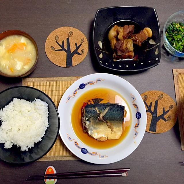 昨日は来客があり、ご飯を作ってくれました(≧∇≦) 鯖の煮付け、豚の角煮、大根と人参の味噌汁、小松菜のおひたし - 13件のもぐもぐ - 久々の煮物 by Boo_Mee