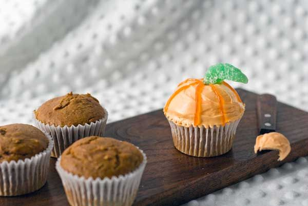 Gluten Free Vegan Pumpkin Cupcakes Recipe- calls for veganese and vegan cream cheese- seems easy