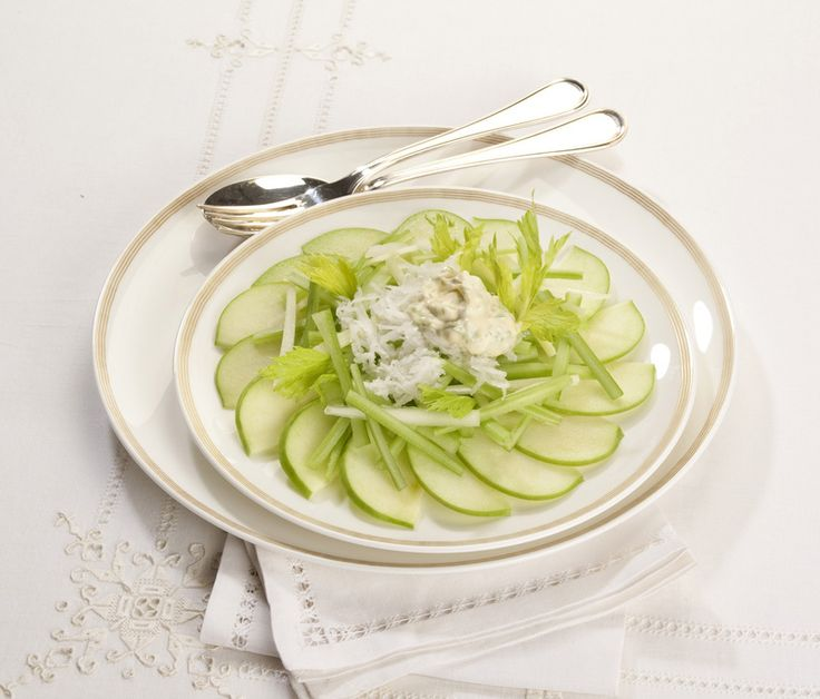 Sedano rapa In insalata con mele verdi