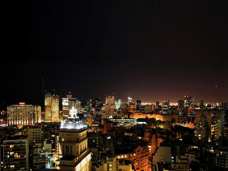 Vista nocturna de Buenos Aires.