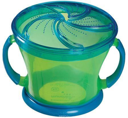 """Munchkin Контейнер """"Поймай печенье"""", цвет: салатовый, синий  — 622р.  Контейнер Munchkin """"Поймай печенье"""" выполнен из безопасного и прочного пластика. Он идеально подходит, если нужно покормить малыша """"на ходу"""", чтобы еда осталась в контейнере, а не на полу, не на сиденье автомобиля или коляски! Мягкие силиконовые лепестки на горлышке контейнера помогают ребенку подкрепиться самостоятельно, но предотвращают рассыпание содержимого. Регулируемая крышка позволит малышу вытащить печенье или…"""
