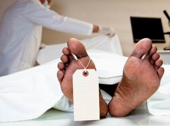 WinNetNews.com - Kepala konsuler Kedutaan Besar Rusia di Athena, Yunani ditemukan tewas di dalam kamar apartemennya, Senin waktu setempat. Seperti diberitakan Associated Press, hingga saat ini belum ada keterangan resmi tentang penyebab kematian pejabat tersebut. Seorang karyawan konsuler kedubes menemukan