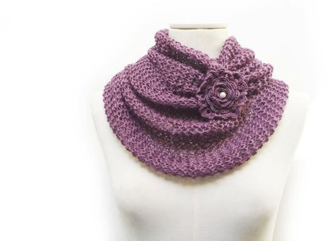 Infinity Scarf / Chunky Knit Scarf / Knitted Shawl / Loop by ixela