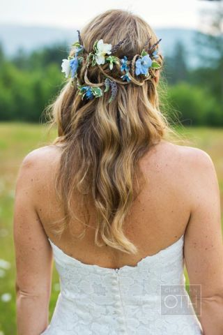 30 unique ways to add blue to your wedding.