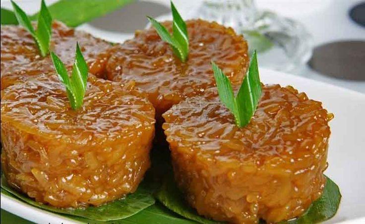 Wajik je tradicionalna poslastica napravljena od lepljivog pirinča, palminog šećera i kokosovog mleka. Zvuči pripamljivo, zar ne? :D #travelboutique #bali #hrana #food #putovanje #letovanje