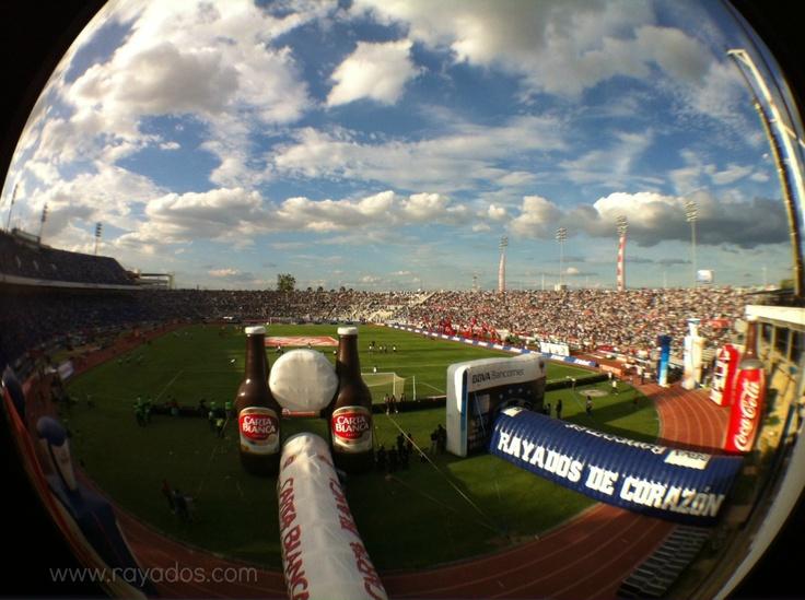 Tarde en el Estadio Tecnológico. Rayados vs Atlas ¡Vamos Rayados!