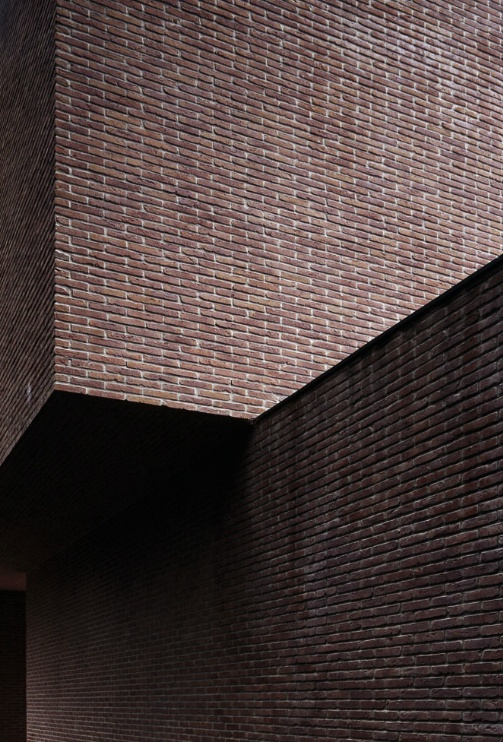 Brick wall of the VDV house by Vincent van Duysen