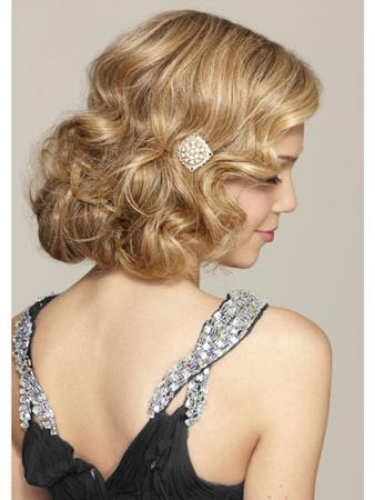 Wedding Ideas From The Great Gatsby Movie | Equally Wed - A gay, lesbian and allied wedding website. Pictured: faux bob. Instructions on EquallyWed.com.