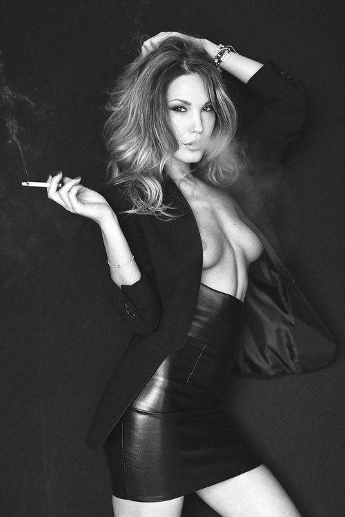Sexy smoking girls pics