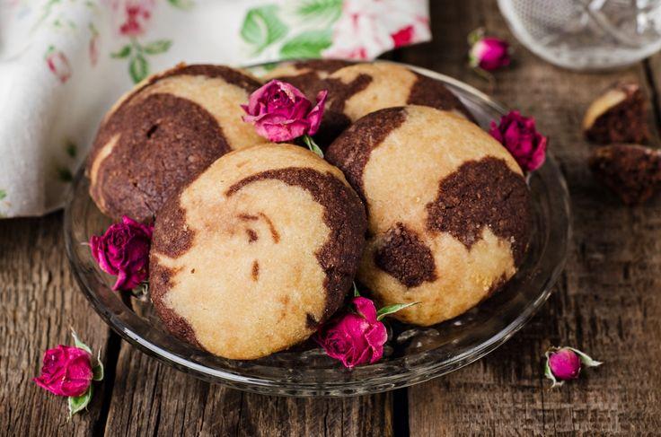 Ricetta biscotti con pasta madre | Scopri come preparare i biscotti con la pasta madre rinfrescata in maniera semplice e veloce.