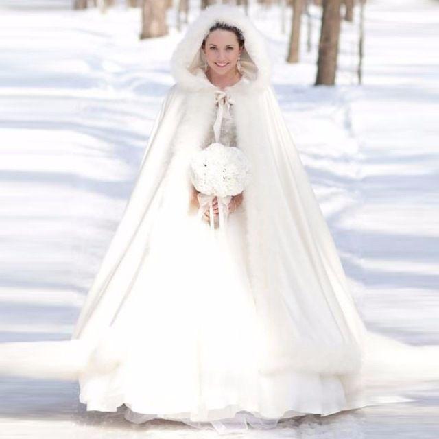 17 meilleures id es propos de cape de mariage sur pinterest robe grecque robe longue. Black Bedroom Furniture Sets. Home Design Ideas