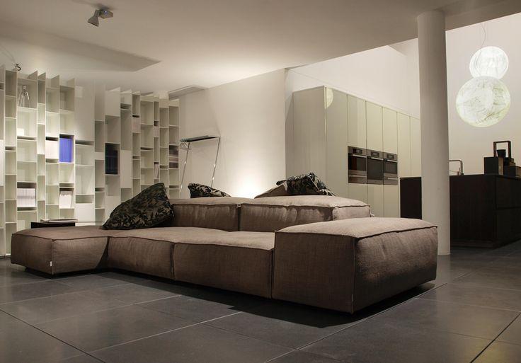 Divano Extra Wall di living divani  showroom lacasa ...