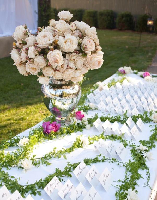 Floral escort card table display