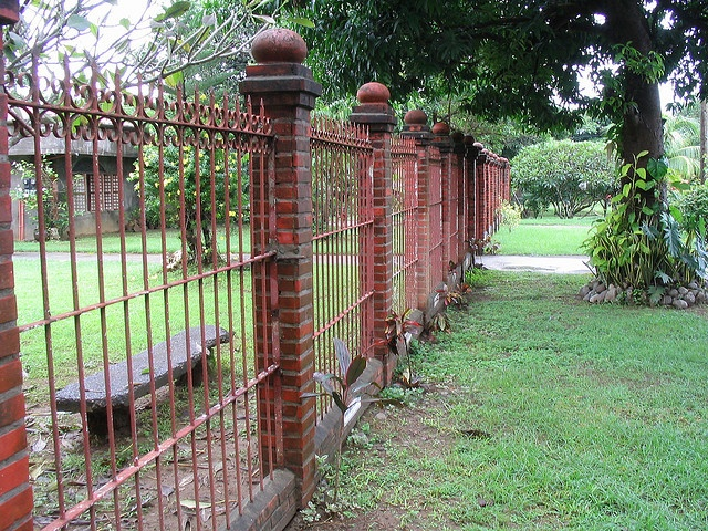 1000 ideas about brick fence on pinterest iron fences for Brick and wrought iron fence designs