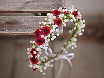 Ozdoby do vlasov - věneček z růží a svatebního závoje - 7712548_