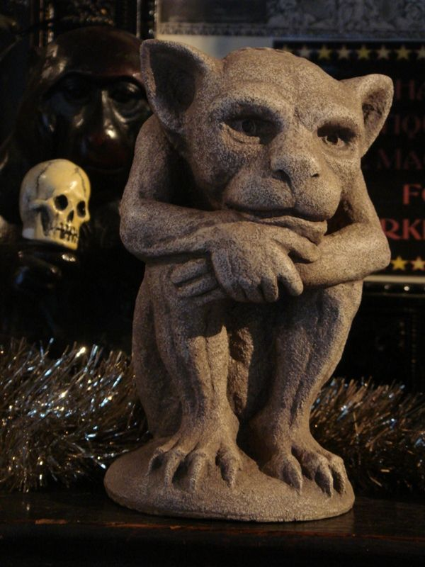 Fun gargoyle statue gothic decor pinterest gothic for Gargoyle decor