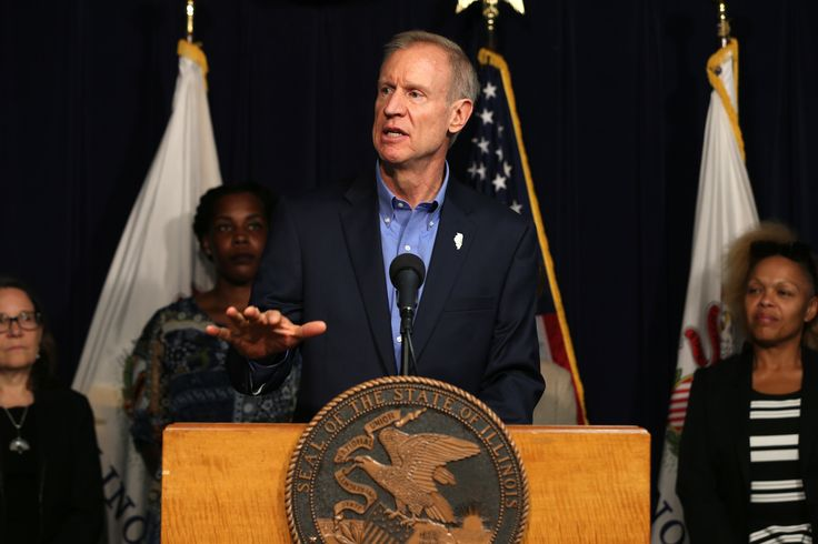 Rauner signs controversial abortion bill, angering conservatives