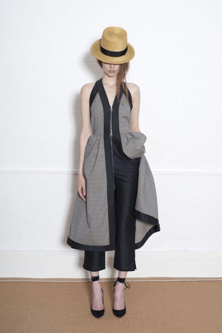 Isa Arfen Resort 2016 Fashion Show