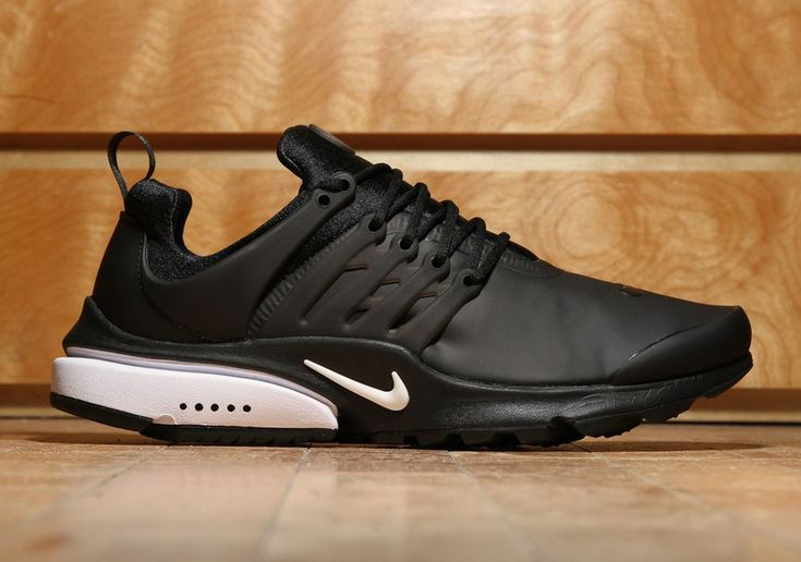 #sneakers #news  Nike Air Presto Low Utility Goes All Black With A Touch of White