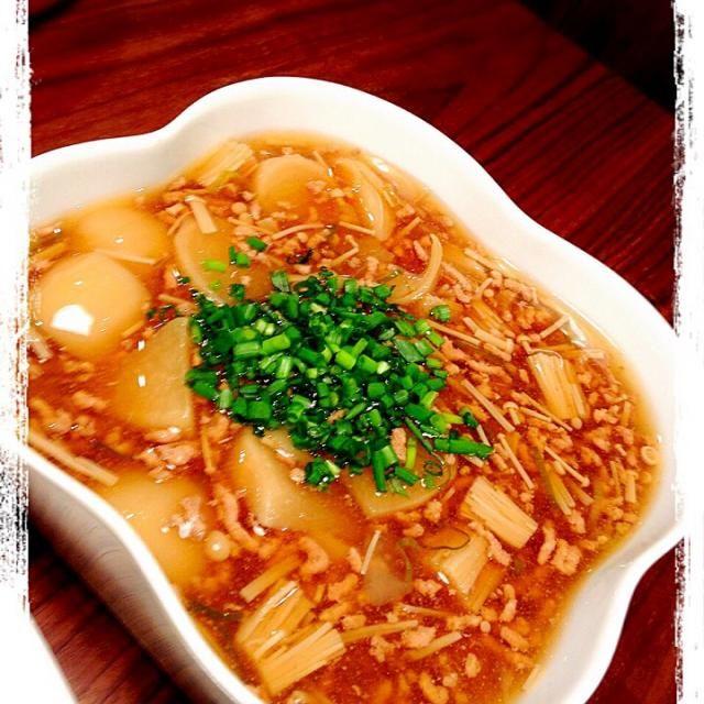 かぶ、えのき、豚挽肉、あさつき をとろみをつけて煮込みました! - 20件のもぐもぐ - かぶとえのきのとろとろ by CHIBIKENSHImama
