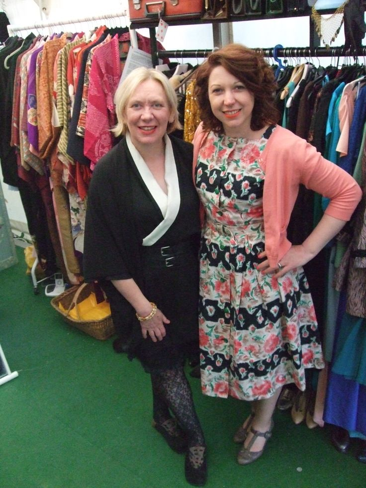 Go Kimono's Kirsty Barton joined us.  Hay-on-Wye