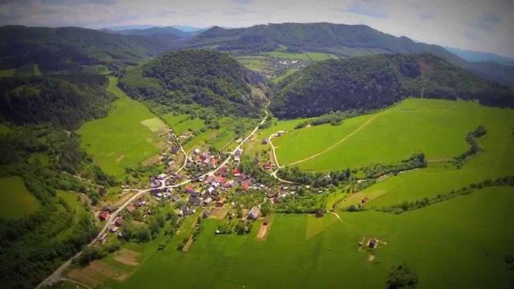 Záskalie je obec na Slovensku v okrese Považská Bystrica. Nachádza sa medzi dvomi známymi tiesňavami -Manínskou tiesňavou a Kostoleckou tiesňavou.
