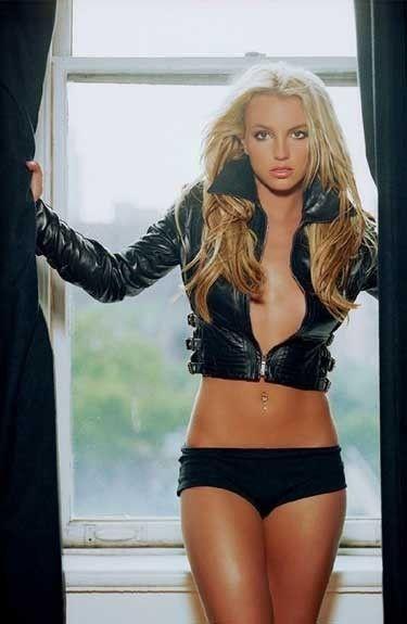 http://fashionpin1.blogspot.com - Britney Spears