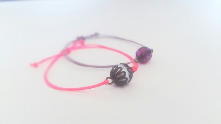 Chic and simple pink and grey beacelet