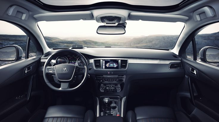Live a pleasing and relaxing moment in the interior of the #Peugeot508RXH