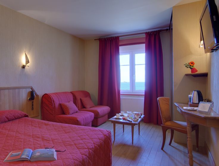 Chambre familiale 4 personnes à Saint-Malo -chambre quadruple vue sur mer-hotel kyriad Saint Malo Plage