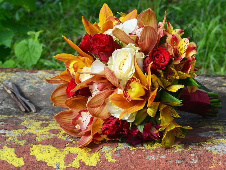 A wedding bouquet in autumn colours
