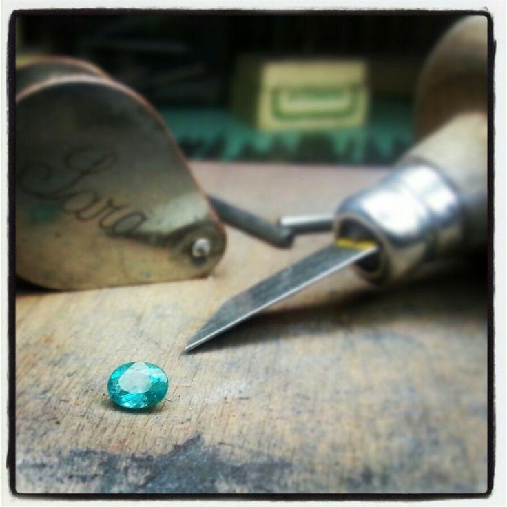 C H A R M ♥ E M E R A L D  www.saragrecogioielli.com  #sgg #saragrecogioielli #handmade #naturalston #emerald #smeraldo #gemmenaturali #goldsmith