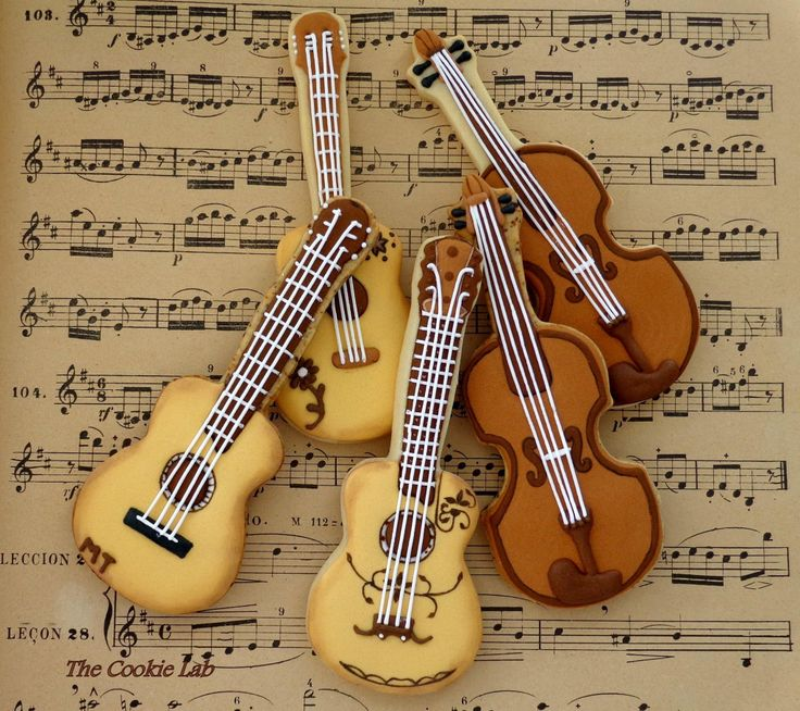 The Cookie Lab guitar cookies