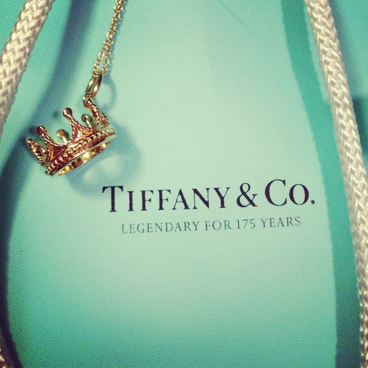 Tiffany King Crown. I need this in my life!