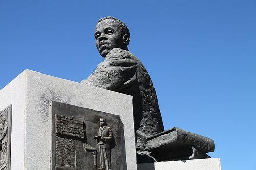 Statue of Sol Plaatje, Kimberley