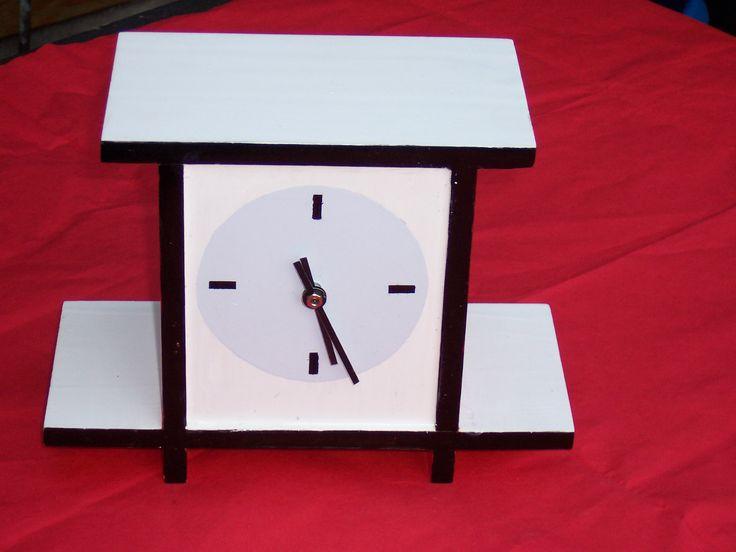 Klok, naar het origineel in het museum Dr888, gemaakt voor Thijs Rinsema.  Deze is door mijn vader gemaakt.