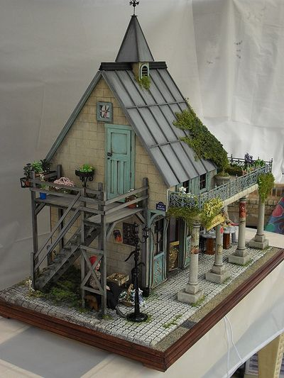 glass menagerie a dolls house ''a doll house'' portrays how hard it was for women in the late 1800's to find  independence from their duties as  the glass menagerie: summary and  analysis.